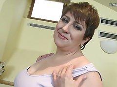 BBW Big Boobs Granny Mature MILF