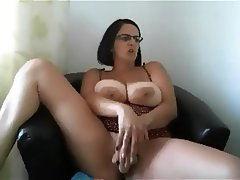 Amateur Big Boobs Big Nipples MILF