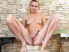Babe Masturbation MILF Lingerie Small Tits